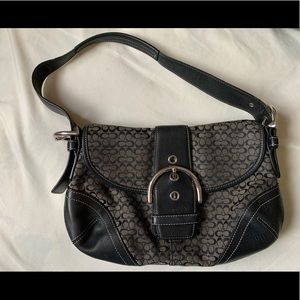 Coach- Signature jacquard, leather trim